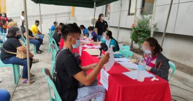 800 Beneficiaries of the Emergency Employment Program (EPP) of the Department of Labor and Employment (DOLE)